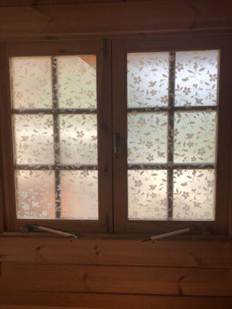 青根キャンプ場の窓シート
