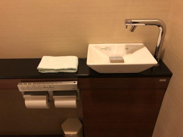 ホテルシーサイド江戸川のトイレ手洗い