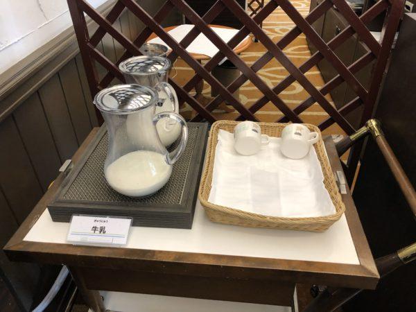 ホテルシーサイド江戸川の朝食用の牛乳