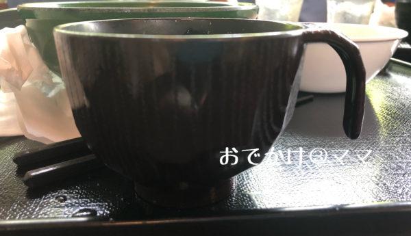 どんぶり屋さんのお味噌汁